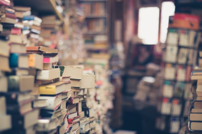 pile-of-books-in-shallow-focus-photography-264635